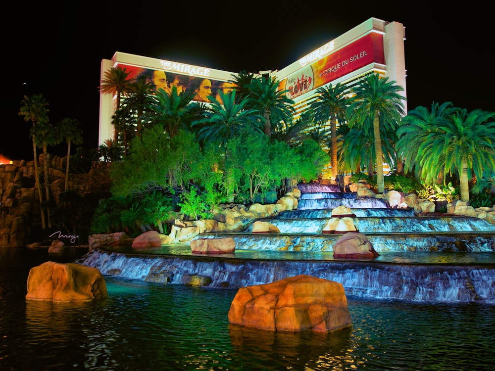 the waterfalls at the mirage
