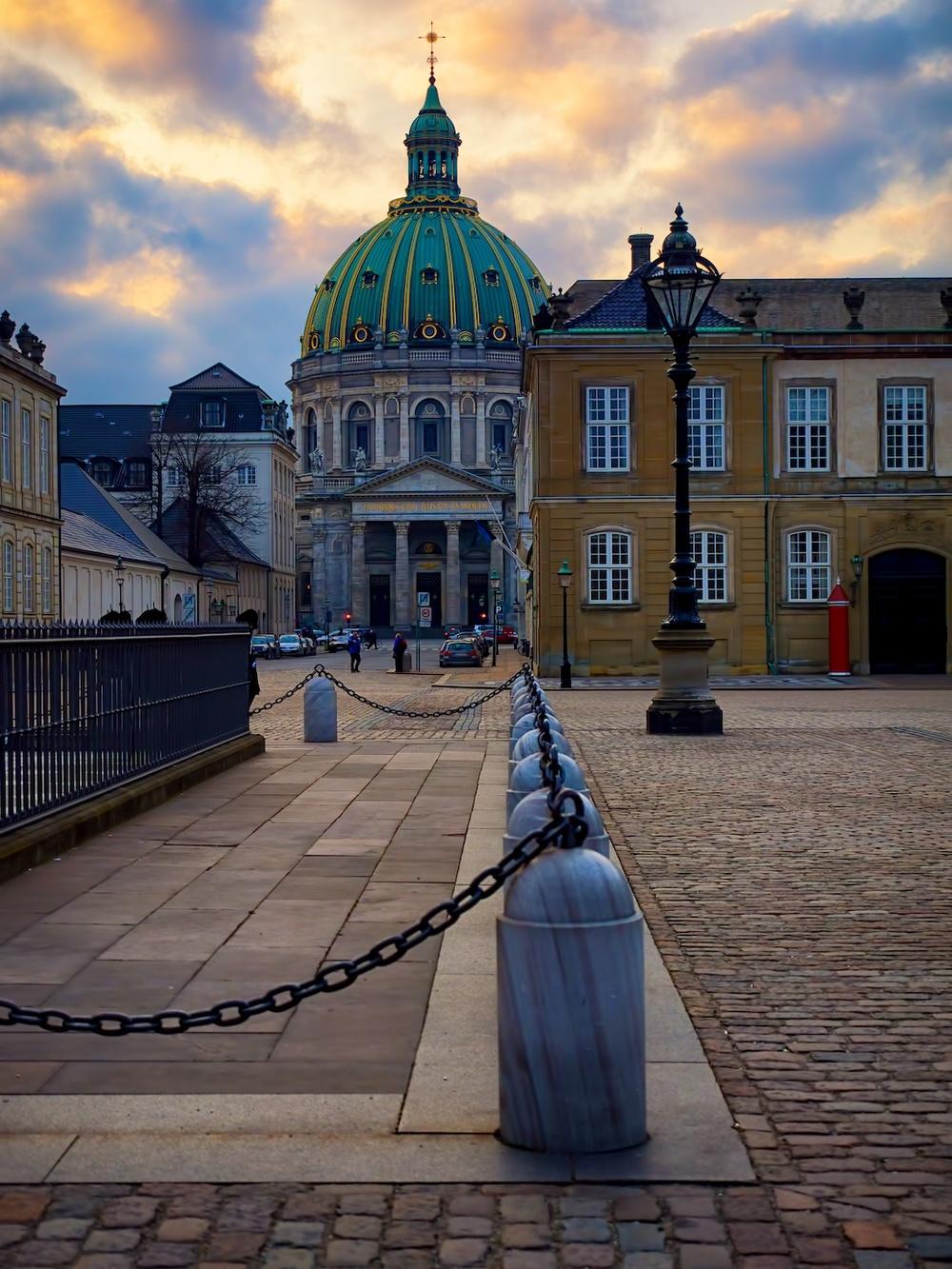 Copenhagen-Denmark-Amalienborg-sunset-March15-1k.jpg