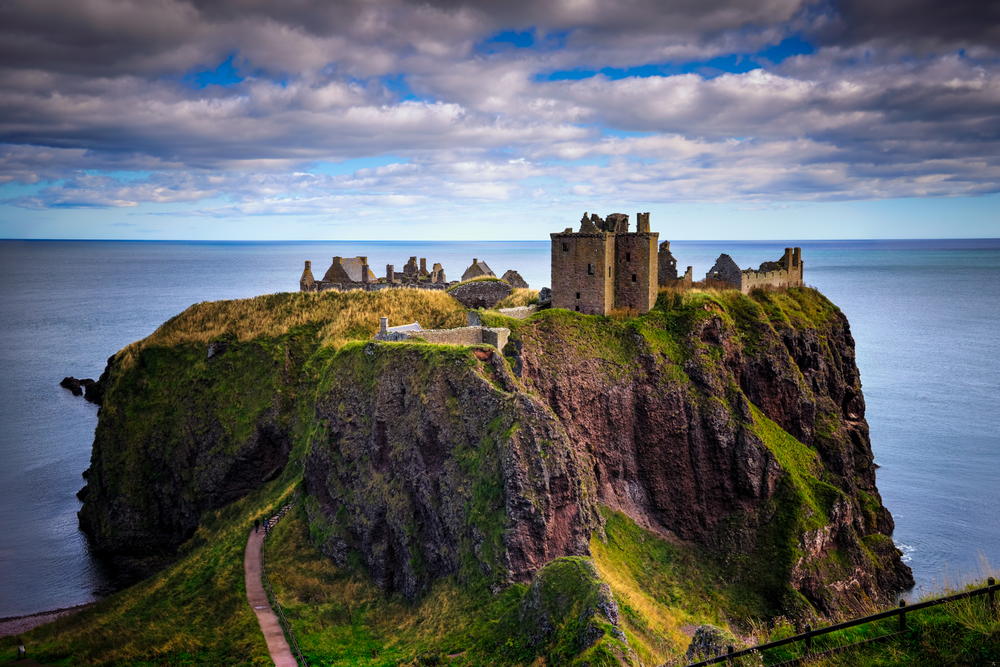 dunnottar castle in stonehaven, Scotland - so awesome!