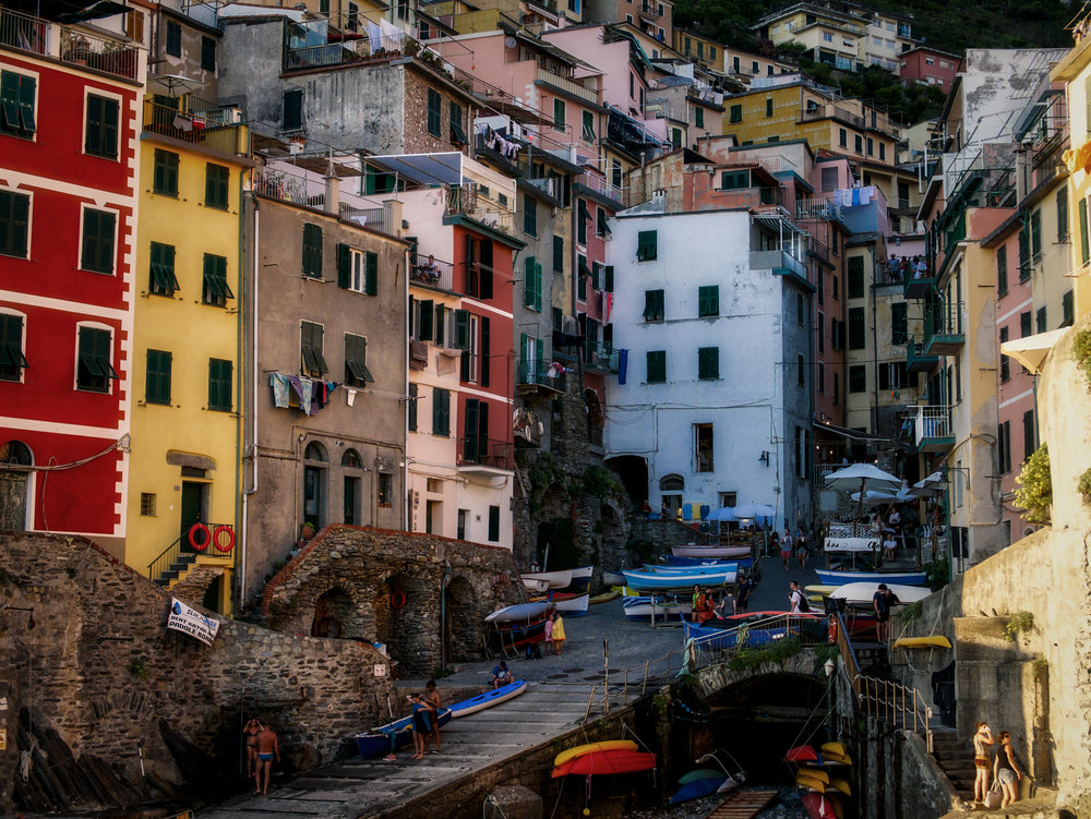 A closely compressed view of the center of Riomaggiore, taken from the jetty