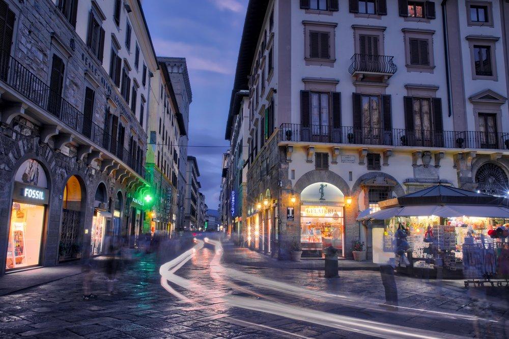 Evening in Piazza della Signora