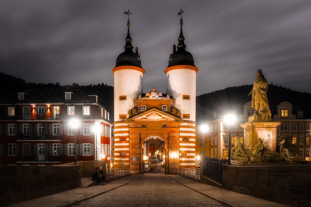 Germany-Heidelberg-Alte-Brucke-night-scene.jpg