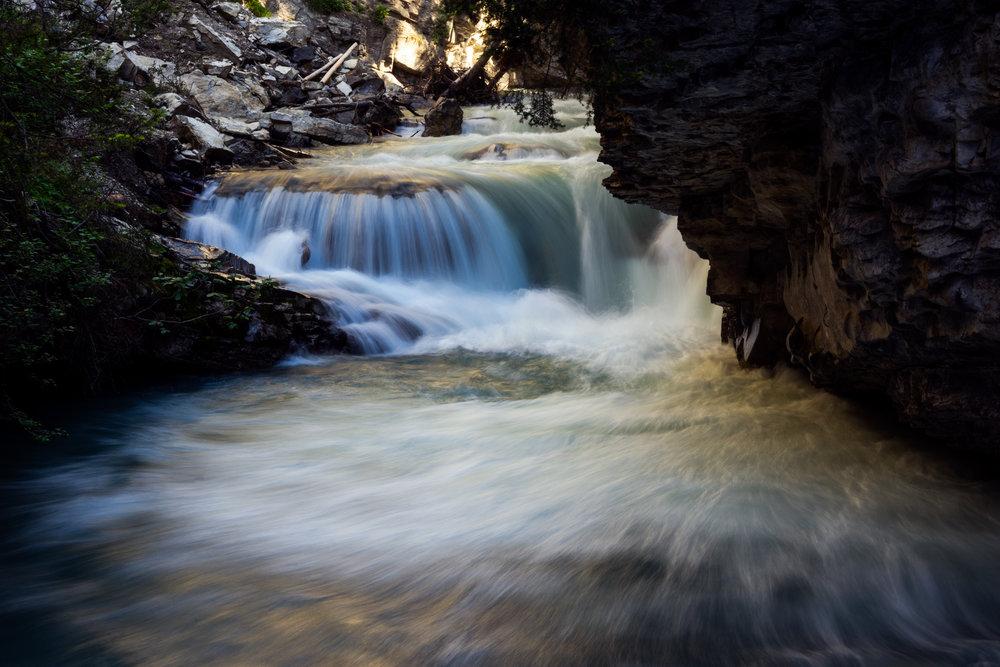 Canada-Johnston-Canyon-waterfall-longexp-1.jpg