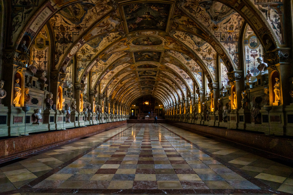 Germany-Munich-Residenz-Antiquarium-center.jpg