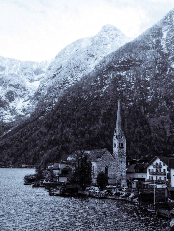 Austria-Hallstatt-mono-Pana1.jpg