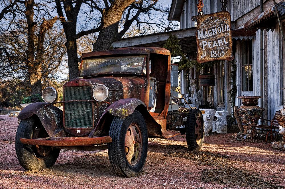 Fredericksburg-Magnolia-Pearl-antique-truck-HDR.jpg