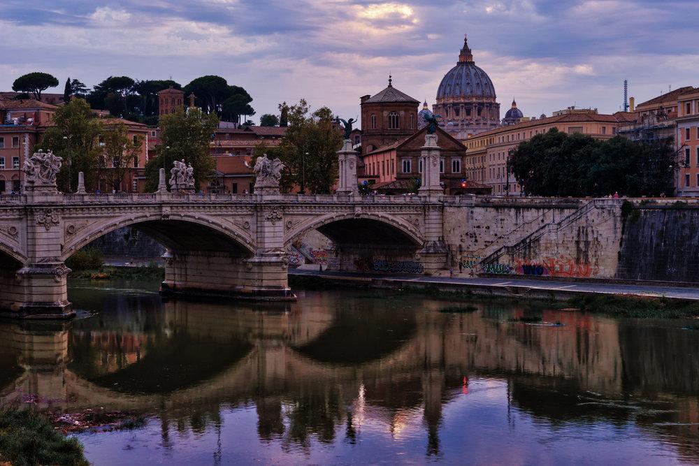 Italy-Rome-Vatican-river-sunset1.jpg