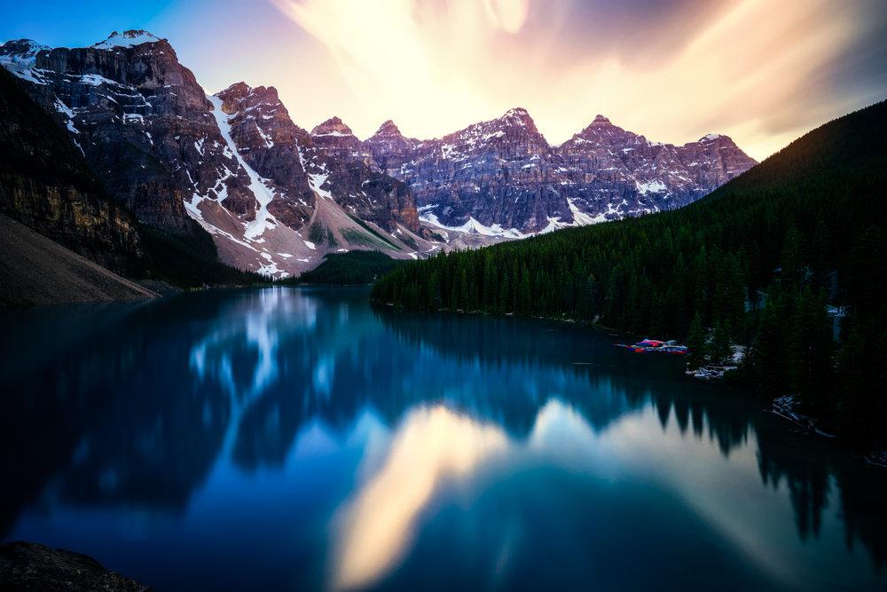 Canada-Moraine-Lake-longexp-sunburst-1a.jpg
