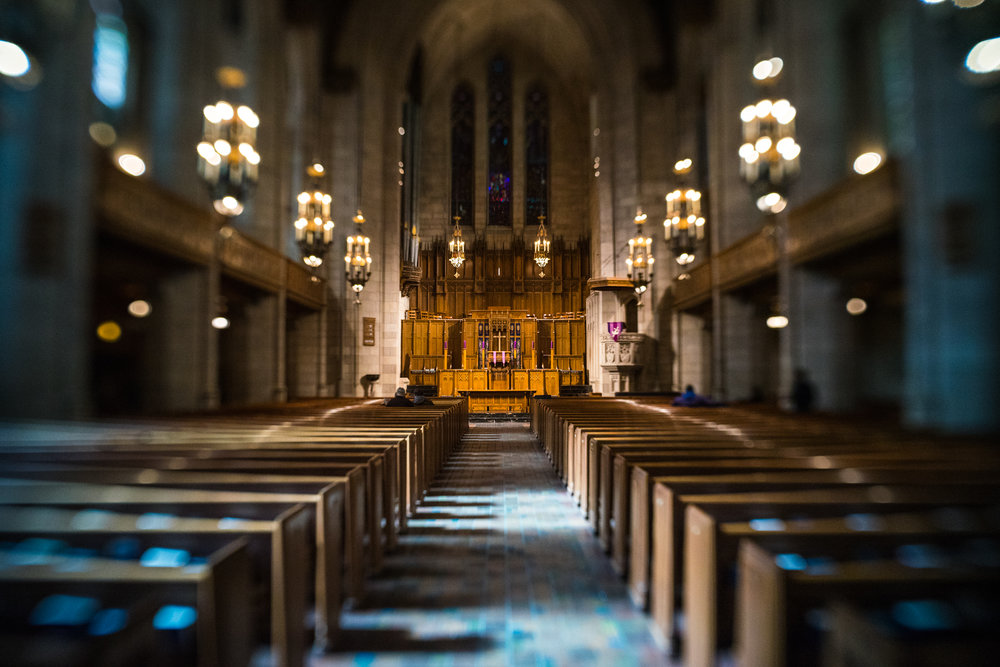 Chicago-March18-church-aisle-Lensbaby1.jpg