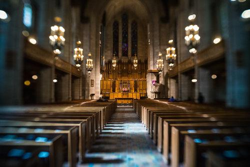 Chicago-March18-church-aisle-Lensbaby1.jpg