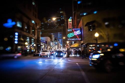 Chicago-March18-Gibsons-night-Lensbaby1.jpg