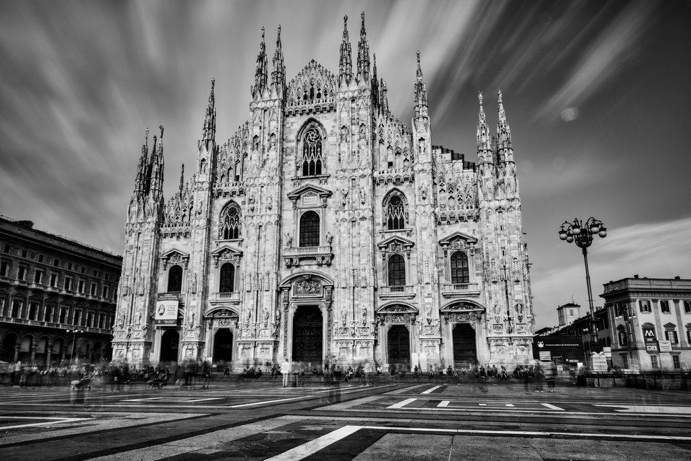 Italy-Milan-Duomo-mono-longexp.jpg