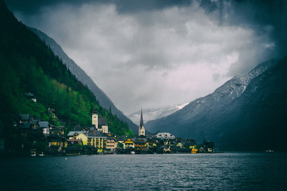 Austria-Hallstatt-vintage-lakeview.jpg