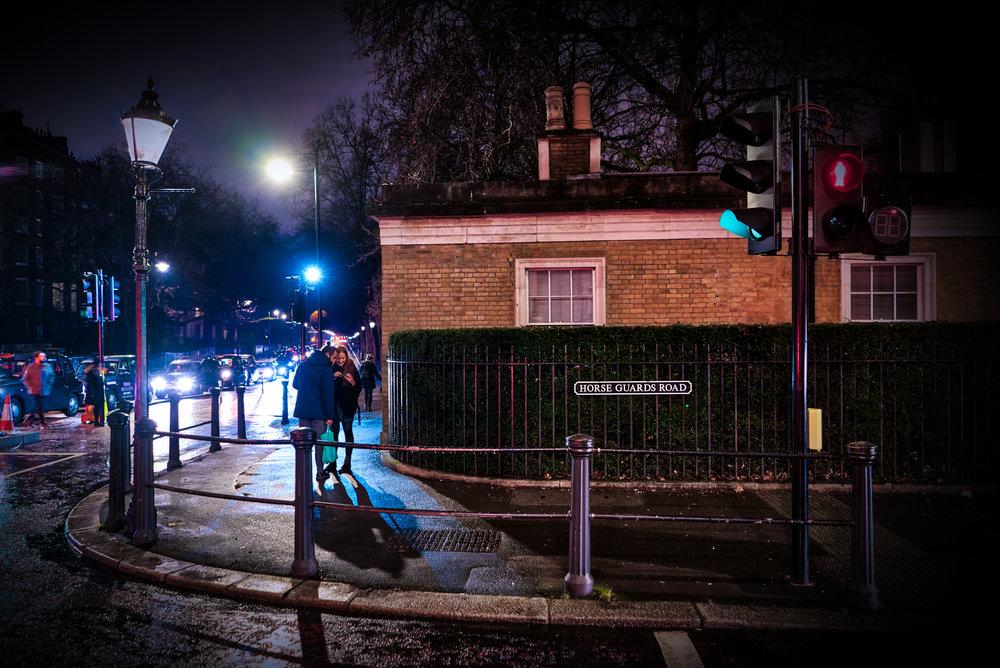 UK-London-night-street-corner-HDR1.jpg