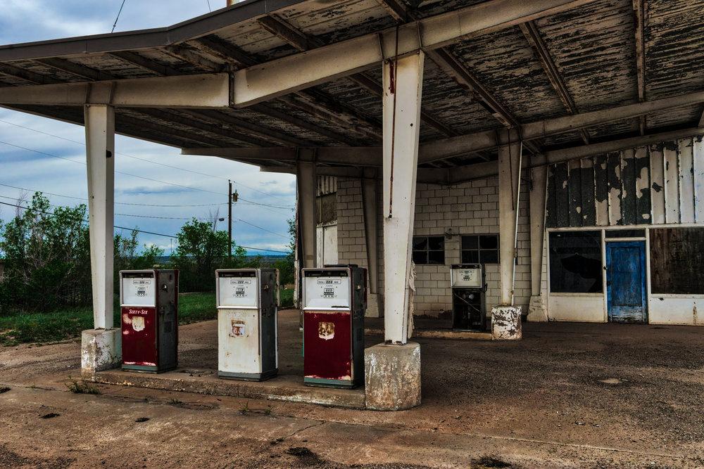 NM-Santa-Rosa-gas-station-abandoned-1a.jpg