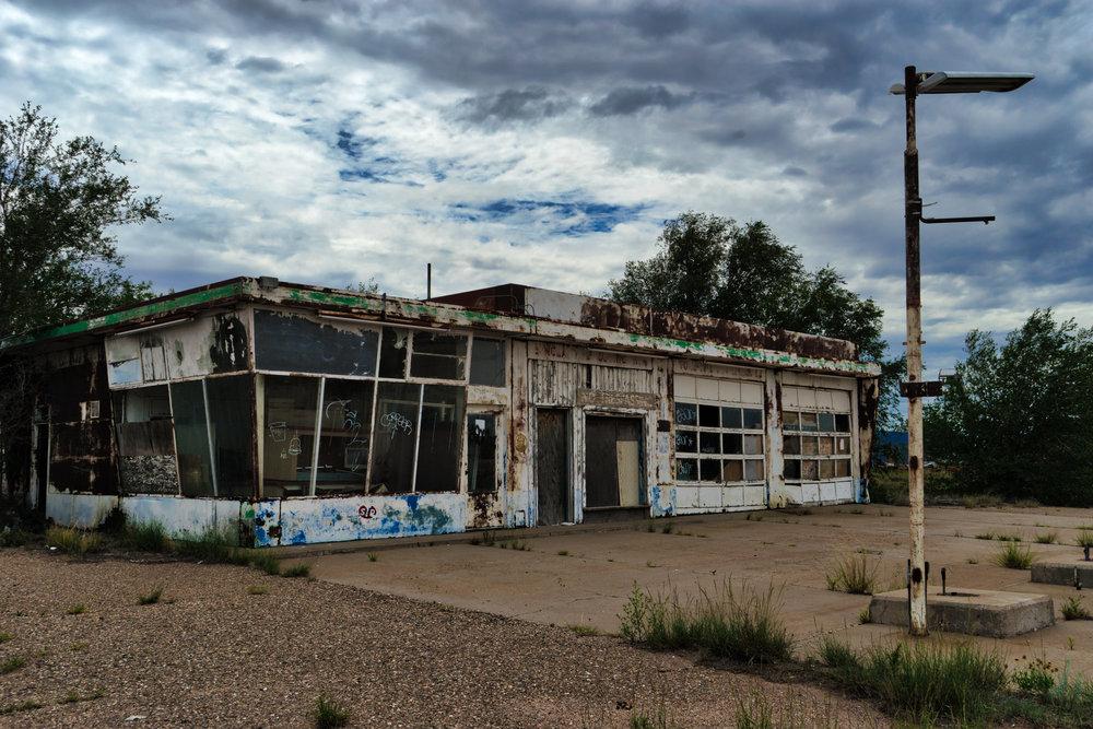 NM-Santa-Rosa-truck-stop-abandoned-1a.jpg