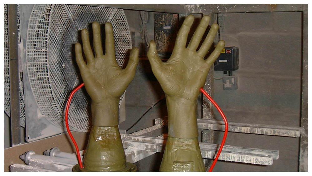 Hands_gallery10.jpg