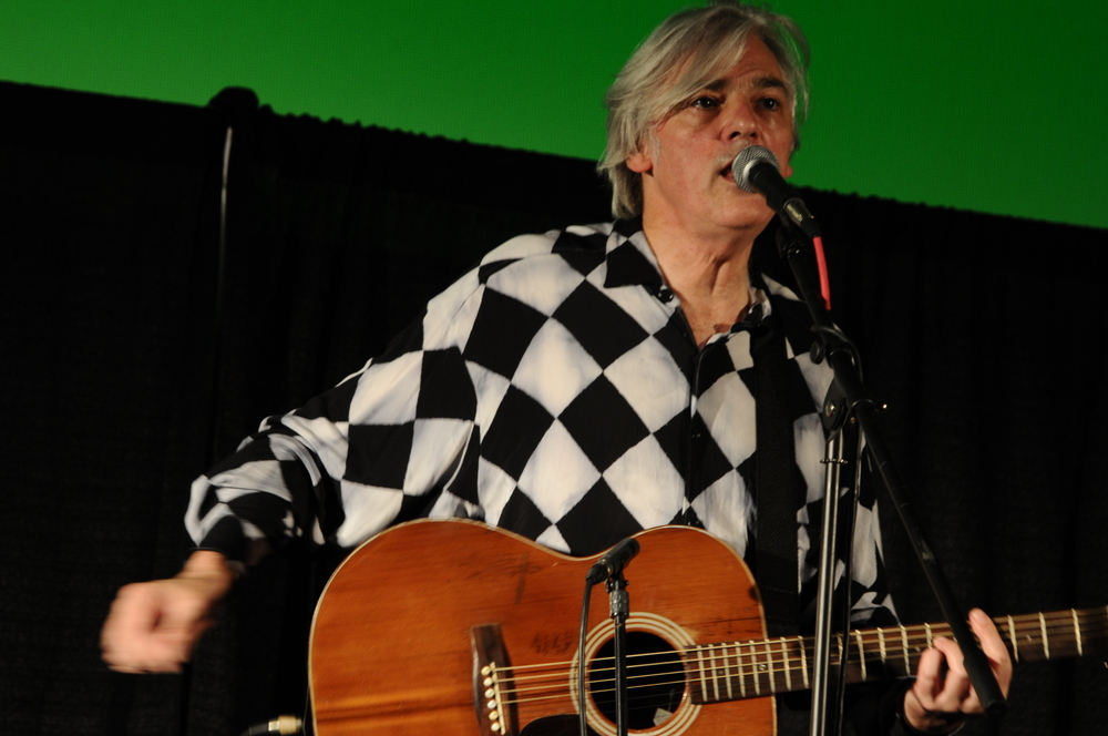 Robyn Hitchcock closing the 2009 Indie Memphis Film Festival with a solo acoustic concert at the Studio on the Square.  Click here for Robyn's website.   Photo by r salant