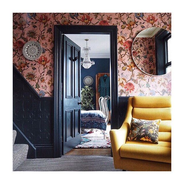 I'm feeling so inspired by this home renovation by @the_idle_hands. The bold, unexpected colors and patterns make me want to take more chances. In wallpaper and in life! 🤸♀️