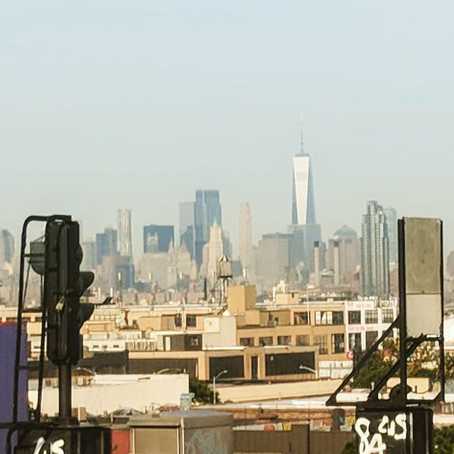 View from the 7 at 40th St. . . . . . . #manhattan #sunnyside #queens #7train #wtc
