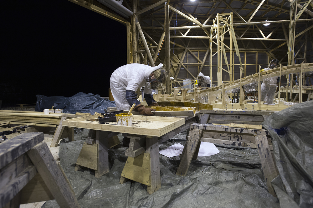 Hooke_Park_Design_&_Make_TSS_working_on_doubly_curved_glulam_edge_beam_in_Big_Shed_VB_2013_11_19_0030.jpg
