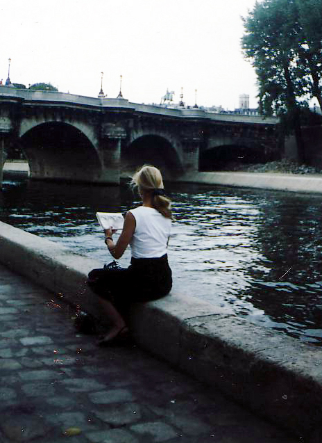 Sketchng on the Seine, Paris