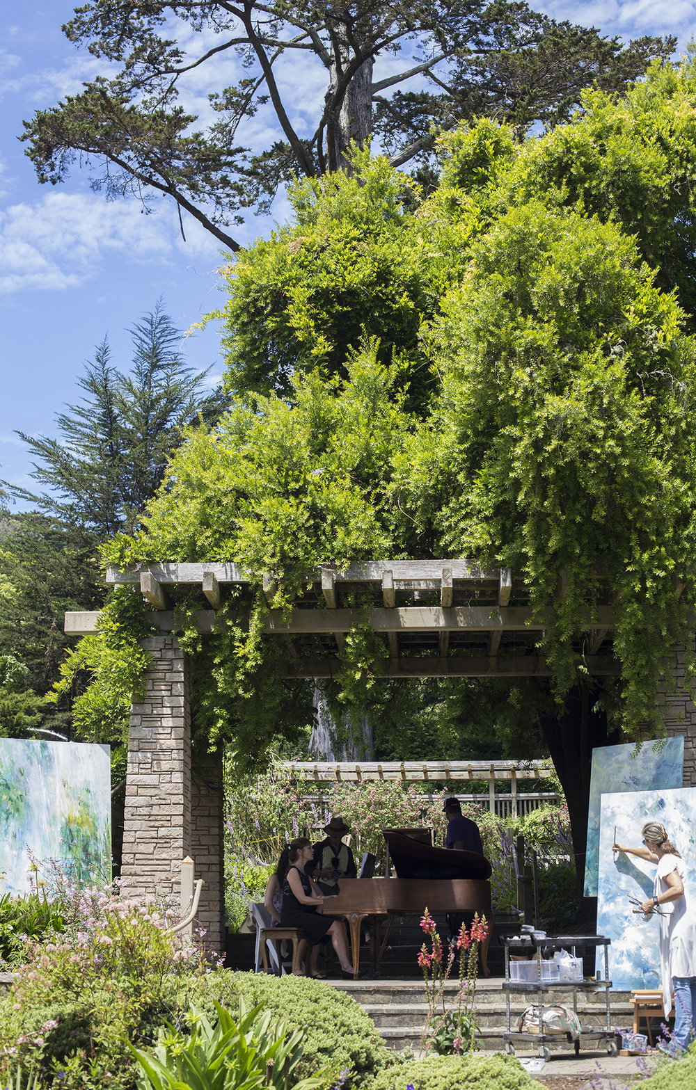 "Painting and piano performance at ""Flower Piano"" in the San Francisco Botanical Garden July 15, 2017 (Photo: Jeremy Sutton 2017)"