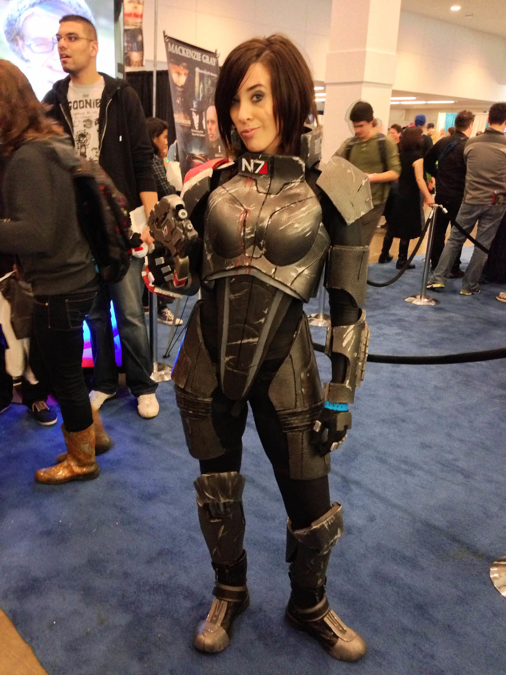 battle damaged Femme She (Mass Effect)