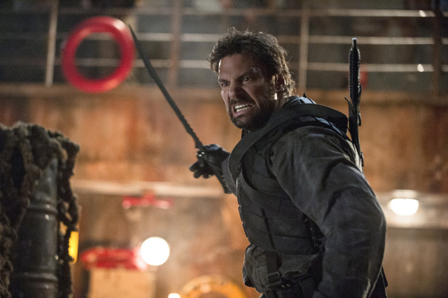 Slade Wilson (Manu Bennett), before the eyepatch