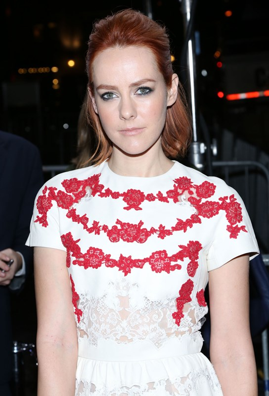 the lovely Jena Malone rocking some beautiful scarlet locks