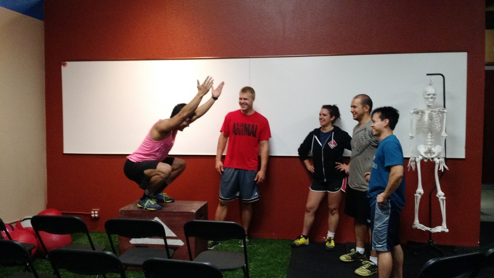 CJ, Vanessa, Dan, Yman and Craig assess Raymond's squat mechanics. (Craig lost some weight)