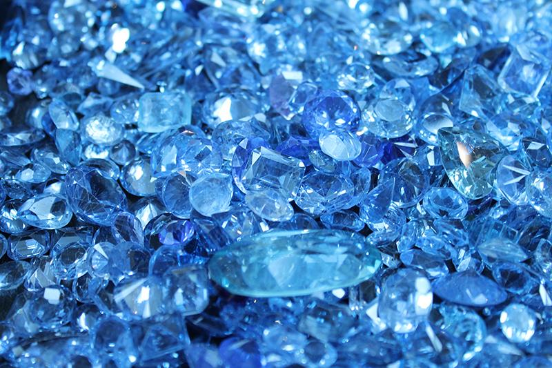 Choosing aquamarine gemstones
