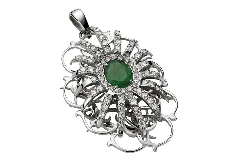 Belleville pendant. 18k white gold, emerald and diamonds.