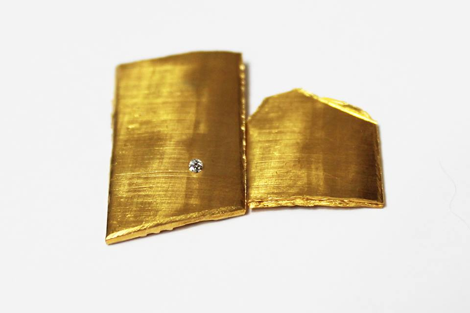 Gold and diamond for wedding bands. Oro y diamante para argollas de matrimonio.