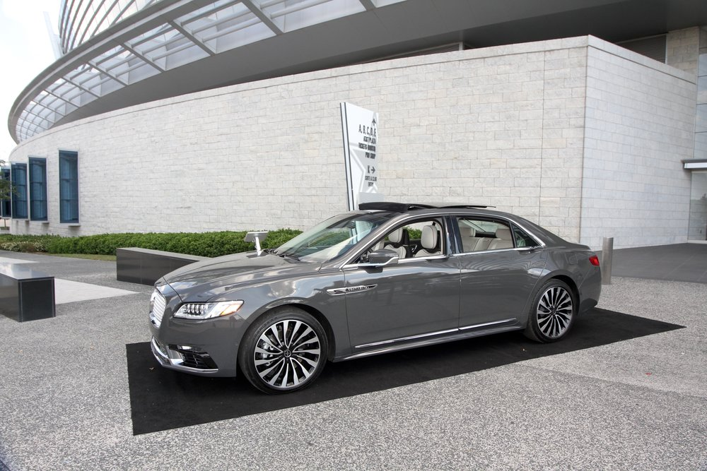 2017 lincoln continental full shot.jpg