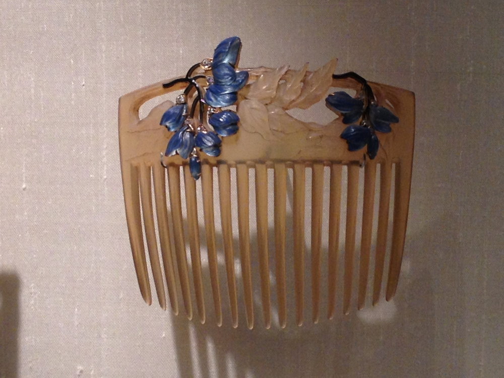 "Rene Lalique ""Wisteria"" hair comb c 1903-1904 Horn, gold, glass, enamel and diamonds"