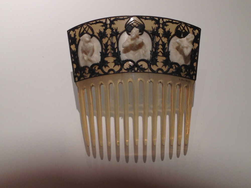 "Rene Lalique ""Breton Women"" comb c 1900-1902 Horn, ivory and silver"