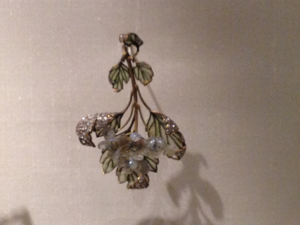 "Rene Lalique ""Hawthorn Blossom"" pendant c 1899-1901 Gold, glass, enamel and diamonds"