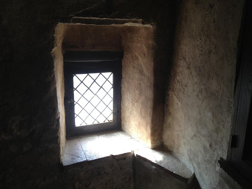 Eremo-delle-Carceri_Hermitage-Grotto-of-Saint-Francis.JPG
