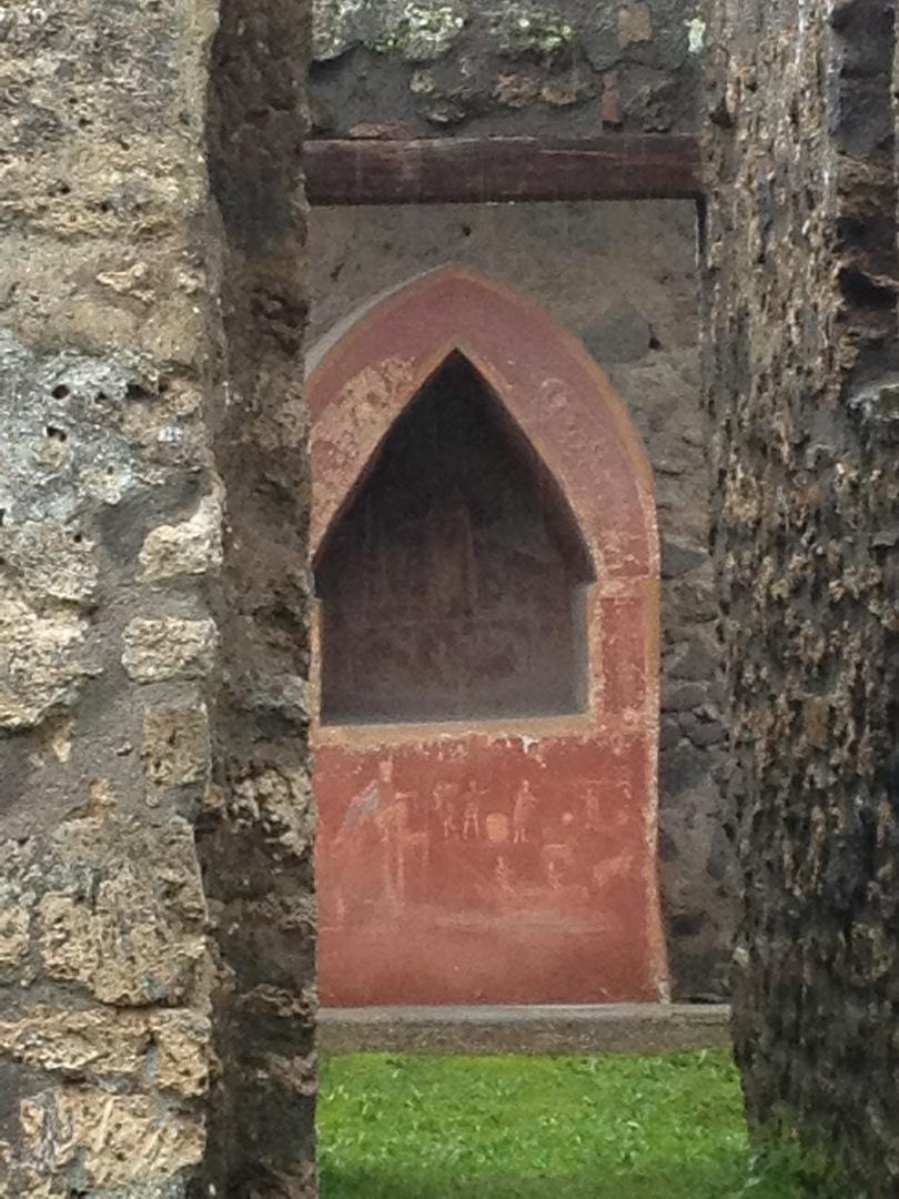 Pompeii-Iconography-jessewaugh.com-38-Altar.jpg
