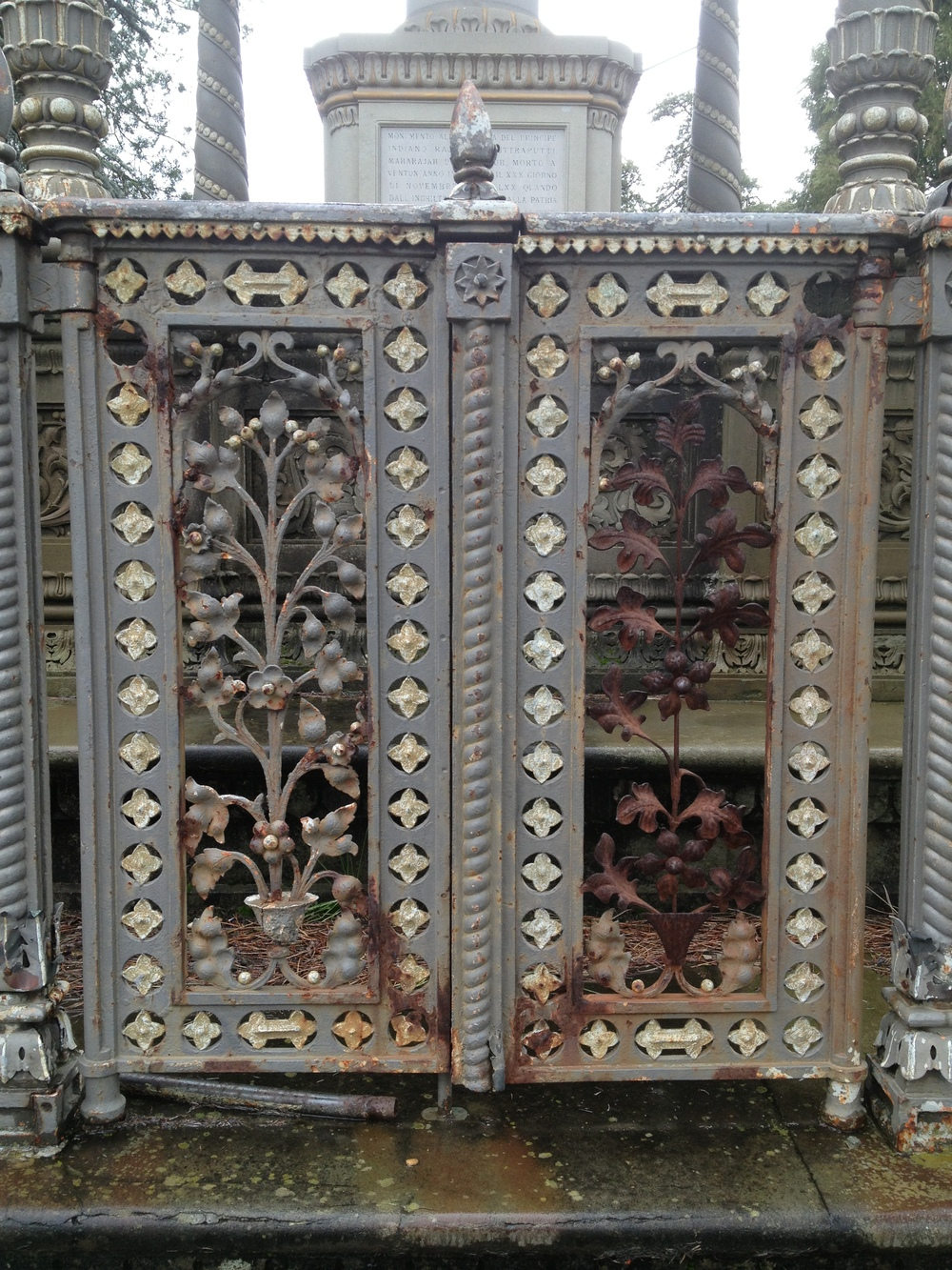 Florentine-Orientalism-Maharajah-of-Kolhapur-jessewaugh.com-2.jpg