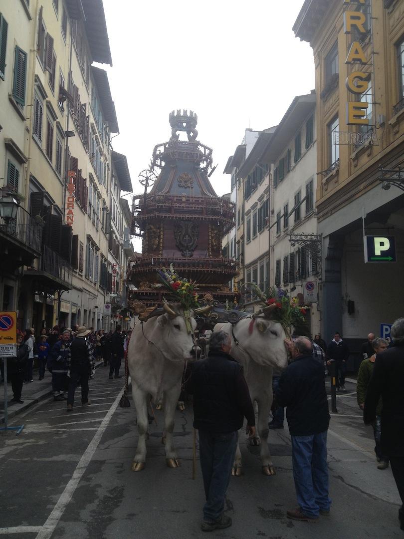 Florence-Easter-Parade-Juggernaut-Bulls-Dove-jessewaugh.com-3.jpg