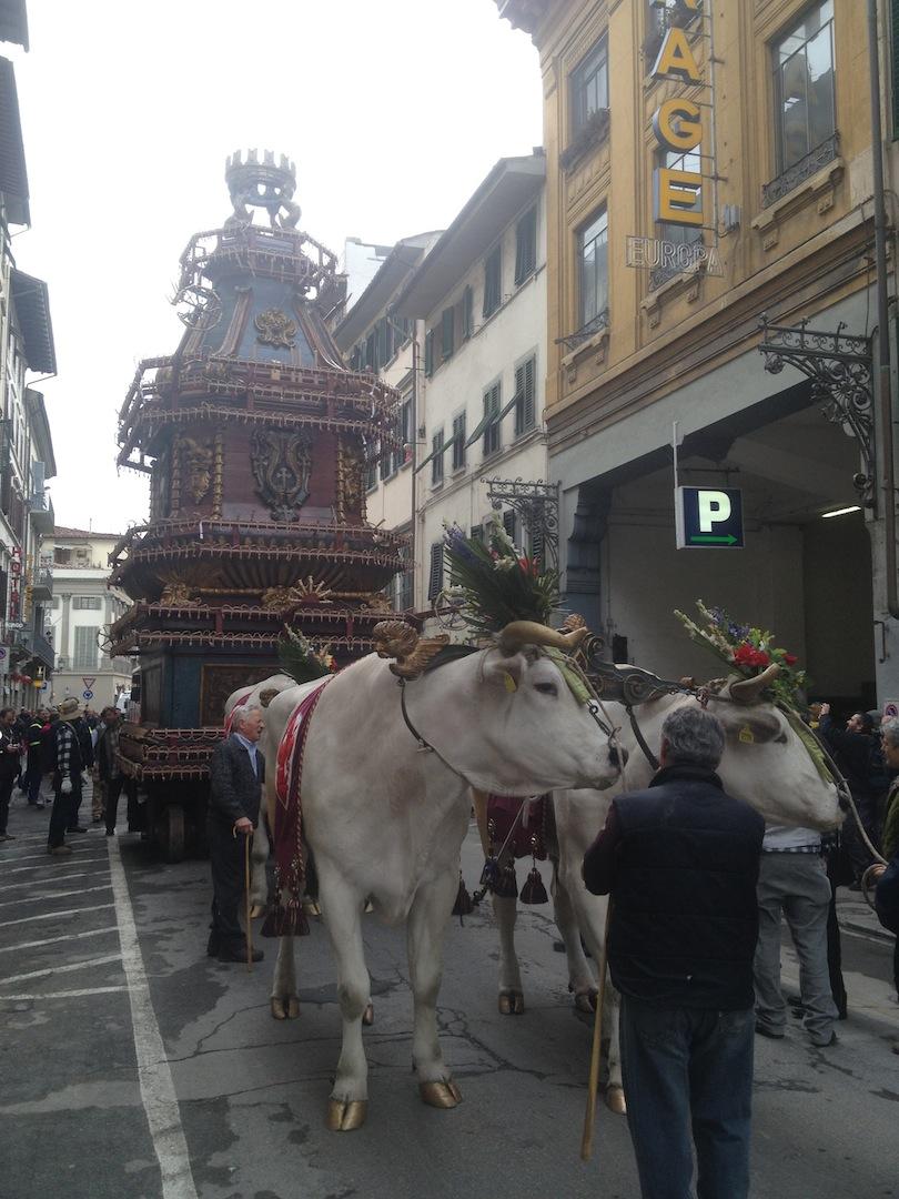 Florence-Easter-Parade-Juggernaut-Bulls-Dove-jessewaugh.com-4.jpg