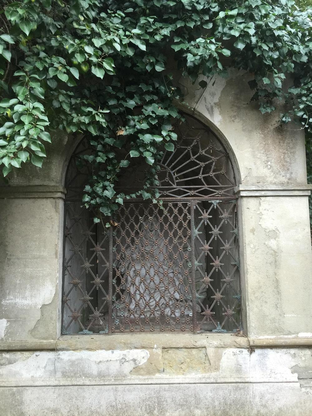 Le-Jardin-du-Calvaire-Carcassonne-jessewaugh.com-7.jpg