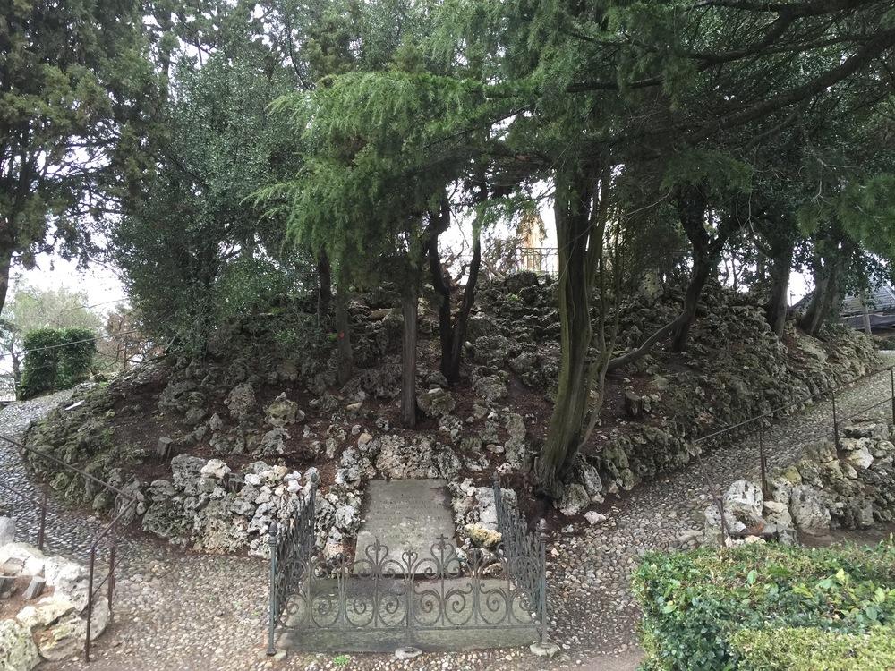Le-Jardin-du-Calvaire-Carcassonne-jessewaugh.com-19.jpg
