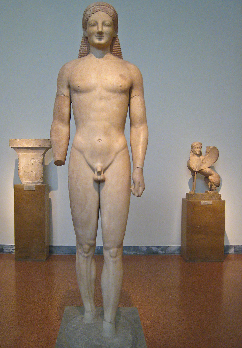 NAMA_Statue_of_a_Kouros-1.jpg