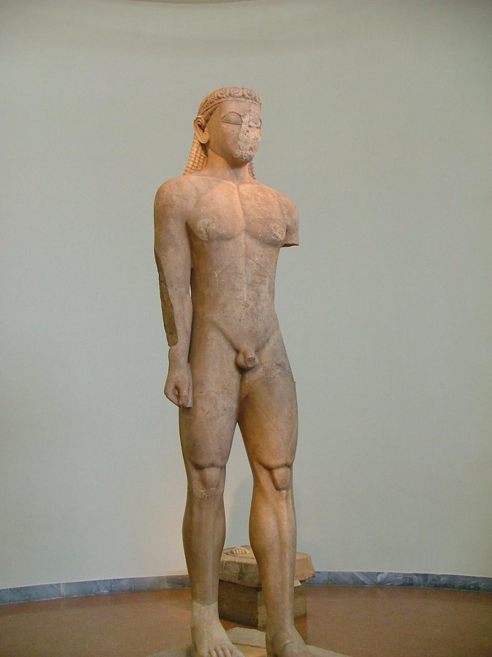 NAMA_Statue_of_a_kouros.jpg