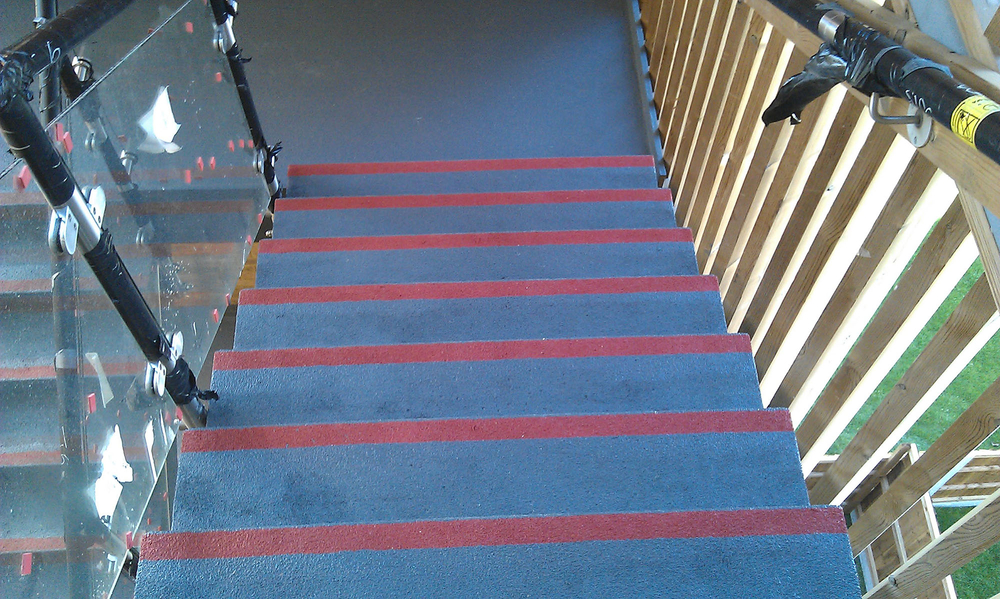 Walthamstow - Interdeck to stairs IMAG0505.jpg