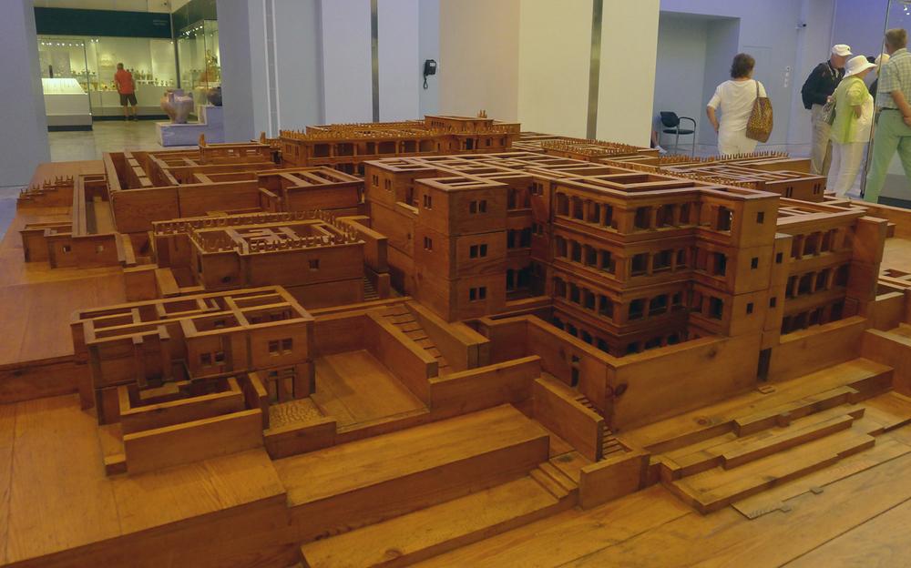 Model of Knossos
