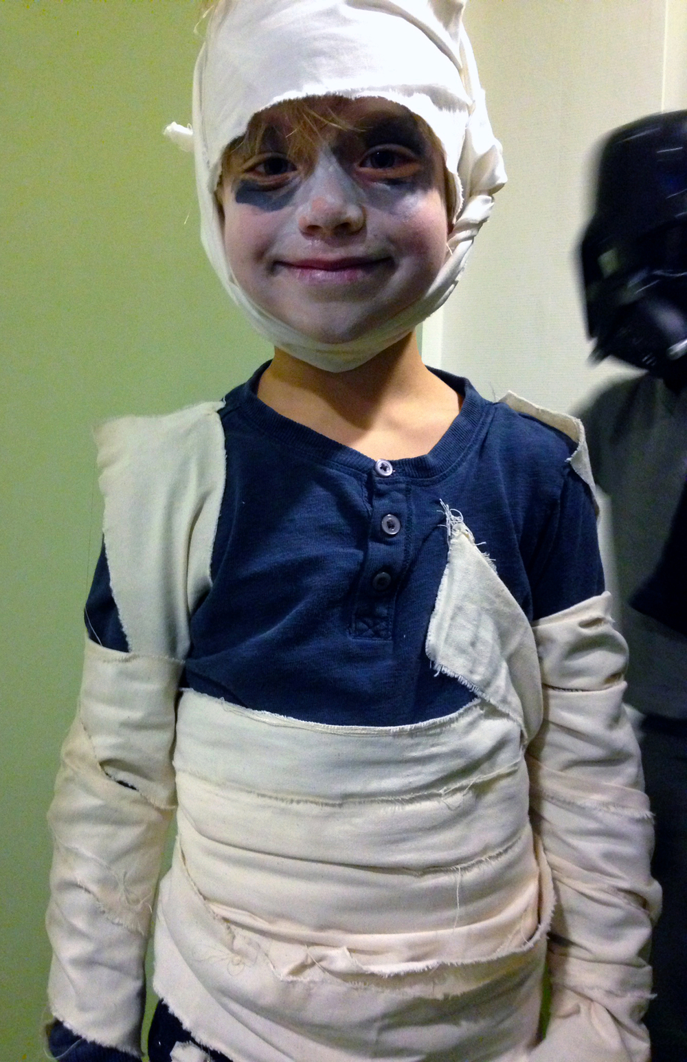 Quinn as mummy